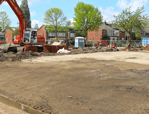 Gevarieerd nieuw 'stadspark' in Papendrecht met cortenstalen plantvakken en meerstammige bomen!